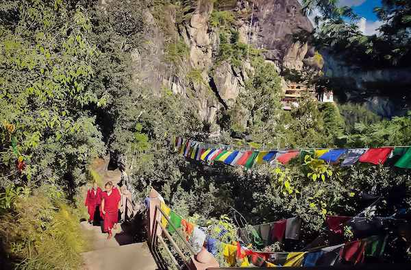 18-Monks-of-Stairs-on-the-Hiking-Trail-to-Tigers-Nest-Monastery-Paro-Bhutan-2-copy-3