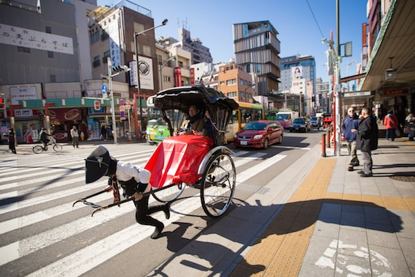 Human rickshaw