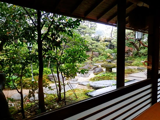 The-restaurant-overlooks-a-beautiful-garden-at-the-Ryokan-Kurashiki-in-Kurashiki
