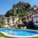 Stylish accommodation with a pool